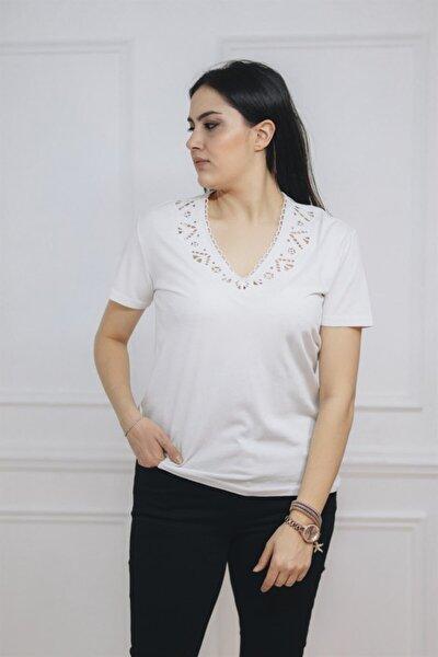 Kadın Beyaz Yakası Lazer Nakışlı Tişört