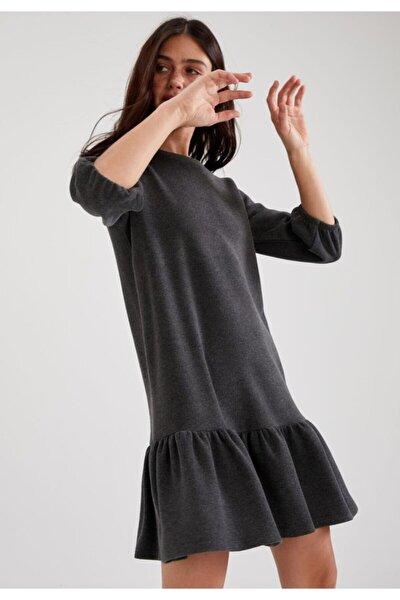 Etek Ucu Volanlı Yarım Kol Oversize Fit Elbise