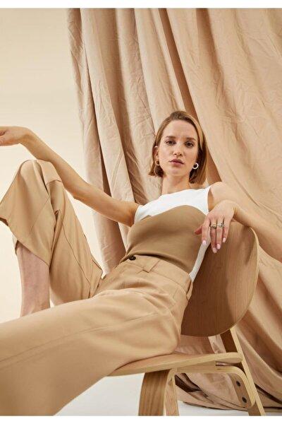 Kadın Beyaz Renk Bloklu Askılı Triko Crop Top