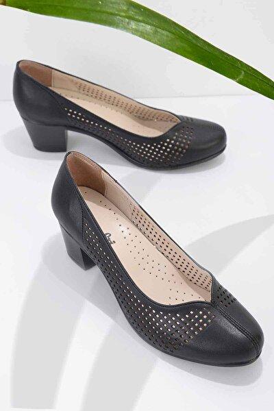 Siyah Kadın Klasik Ayakkabı K01586079909