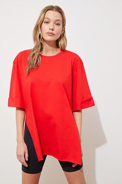 Kırmızı Katlama Kollu Asimetrik Örme T-Shirt TWOSS20TS1758