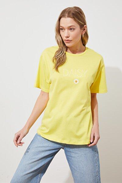 Sarı Nakışlı Boyfriend Örme T-shirt TWOSS19IS0051
