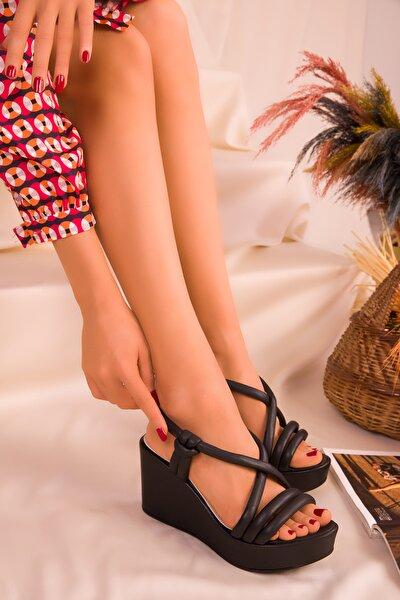 Siyah Kadın Dolgu Topuklu Ayakkabı 16261