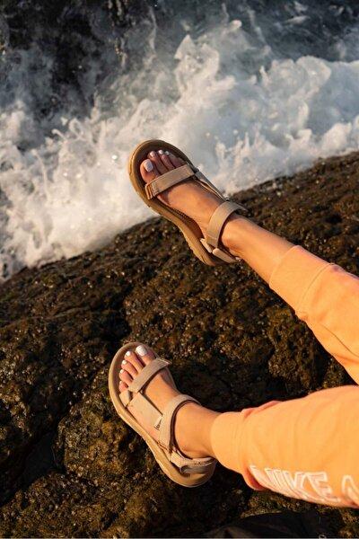 Kadın Cırtlı Sandalet