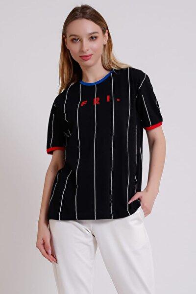 Çizgi Desenli Fri Baskılı Siyah T-shirt