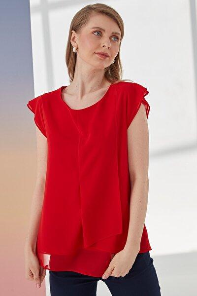 Kadın Kırmızı Kayık Yaka, Ön Parça Detaylı, Volanlı Kısa Kol Bluz