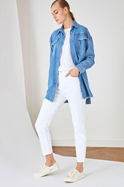 Beyaz Dar Paça Jeans TCTSS21JE0622