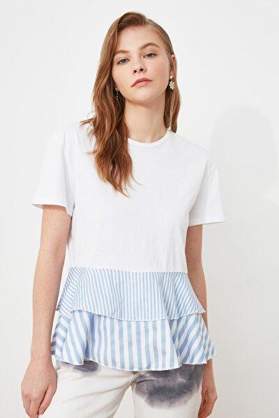 Beyaz Volanlı Ve Çizgili Dokuma Detaylı Örme Bluz TWOSS20BZ1361
