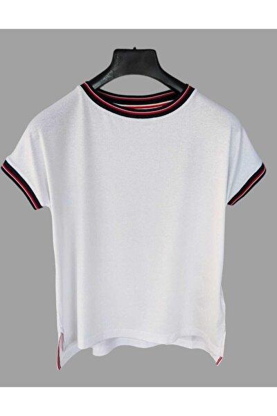 Yakası Çizgili Kadın Tshirt