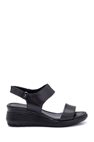Kadın Siyah Deri Kalın Tabanlı Sandalet