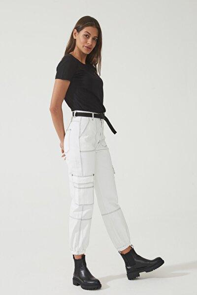 Hazel Beyaz Yüksel Bel Kargo Kontrast Siyah Dikişli Paçası Lastikli Kemerli Pantolon C 4527-007