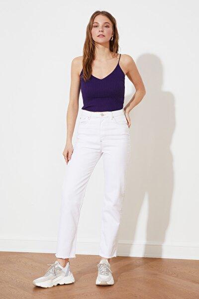 Beyaz Yüksek Bel Straight Jeans TWOSS21JE0651