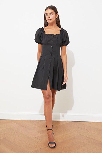 Siyah Düğmeli Kare Yaka Elbise TWOSS21EL1931