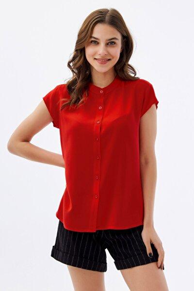 Kadın Kırmızı Hakim Yaka Kısa Kollu Gömlek P21s110-1173