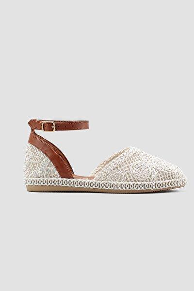 Beyaz Örgü Detaylı Triko Bilekten Baretli Sandalet