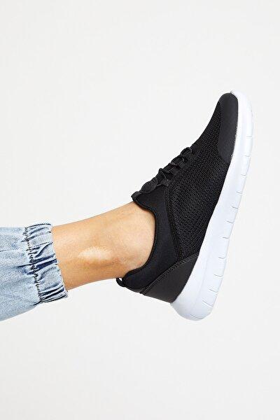 Siyah Beyaz Kadın Spor Ayakkabı Tbpny