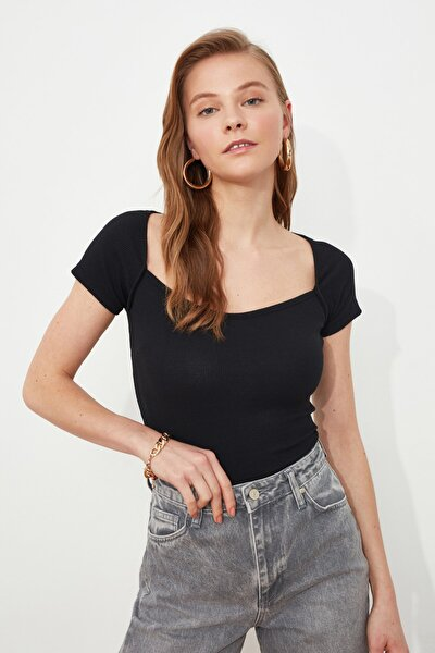 Siyah Kare Yaka Örme Bluz TWOSS21BZ1781