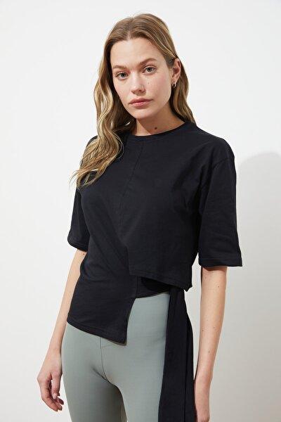 Siyah Bağlama Detaylı Örme Bluz TWOSS21BZ1772