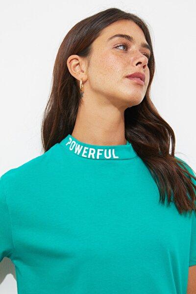 Yeşil Yakası Baskılı Semifitted Kalıp Örme T-Shirt TWOSS20TS1270