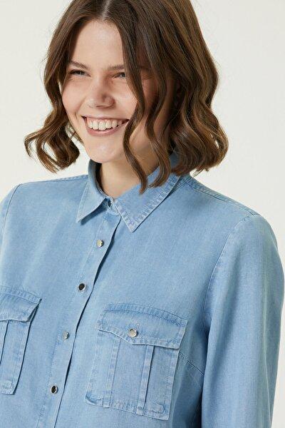 Kadın Basic Fit Mavi Cep Detaylı Denim Gömlek 1079829