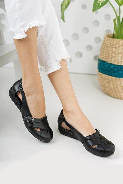 Kadın Siyah Hakiki Deri Günlük Kapalı Sandalet