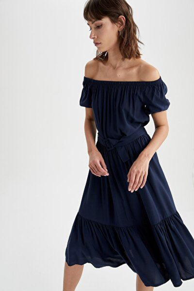 Volan Detaylı Carmen Yaka Midi Kemerli Elbise