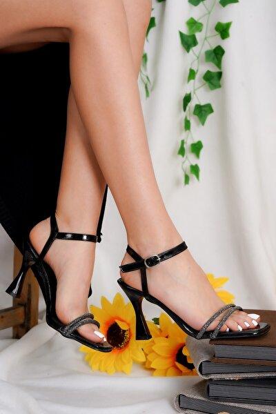 Kadın Siyah Simli Topuklu Ayakkabı