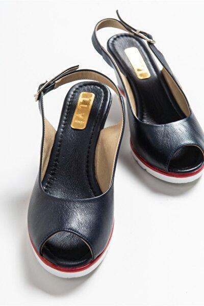 Kadın Lacivert Sandalet