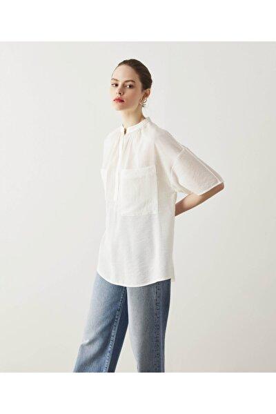 Kadın  Beyaz Cep Detaylı Gömlek