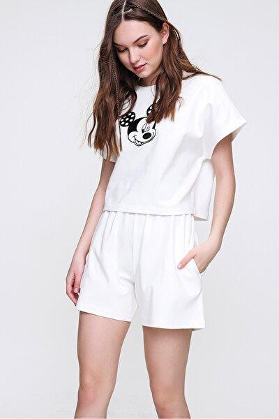 Kadın Beyaz Bisiklet Yaka Baskılı Şortlu Pijama Takımı ALC-X6323