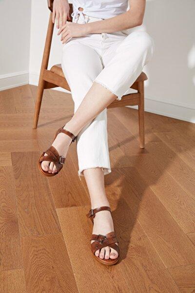 Kahverengi Hakiki Deri Kadın Sandalet TAKSS21SD0034