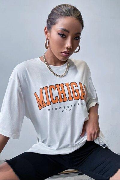 Kadın Beyaz Oversize Michigan Baskılı T-shirt