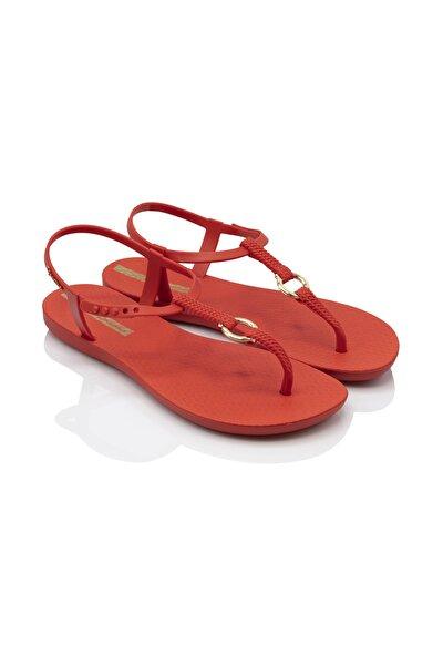 Kadın Kırmızı Parmakarası Kısa Topuklu Sandalet