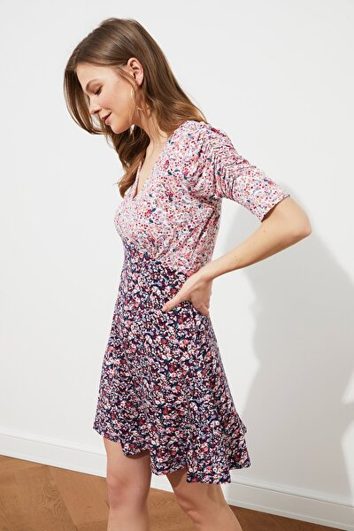 Çok Renkli V Yaka Örme Elbise TWOSS21EL4123