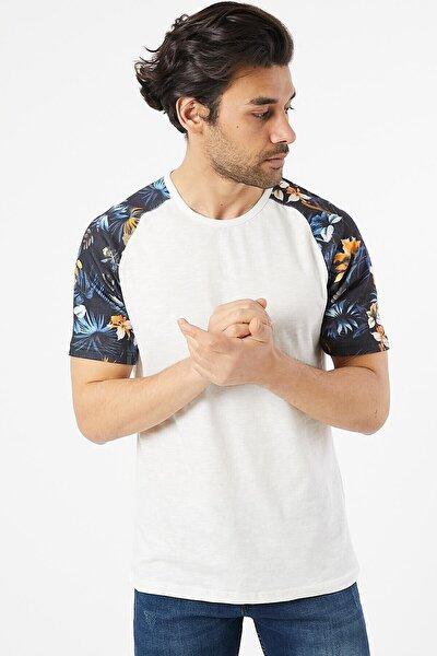Erkek Kol Desenli Tshirt