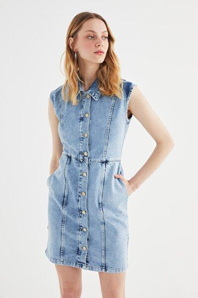 Mavi Önden Düğmeli Dikiş Detaylı Denim Elbise TWOSS21EL2438