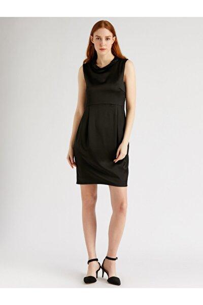 Kadın Siyah Kolsuz Saten Mini Elbise