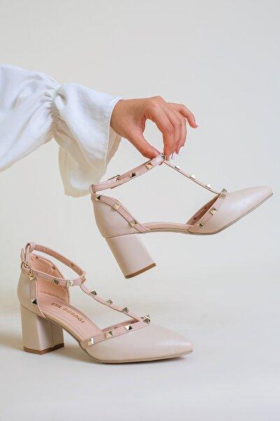 Kadın Ten Troklu Şerit Detayli 5cm Topuklu Sandalet