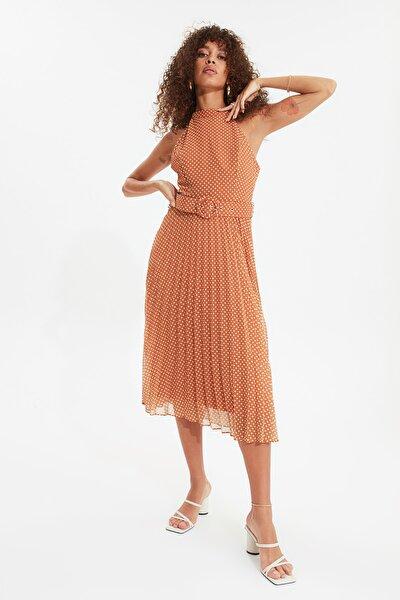 Turuncu Kemerli Puantiyeli Elbise TWOSS20EL1341