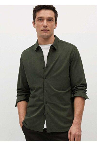 Erkek Haki Dar Kesim Teknik Kumaşlı Dökümlü Gömlek