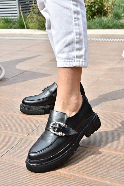 Kadın Siyah Metal Detaylı Günlük Ayakkabı K294760109