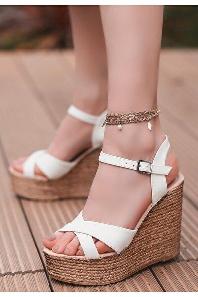 Kadın Beyaz Cilt Dolgu Topuk Sandalet