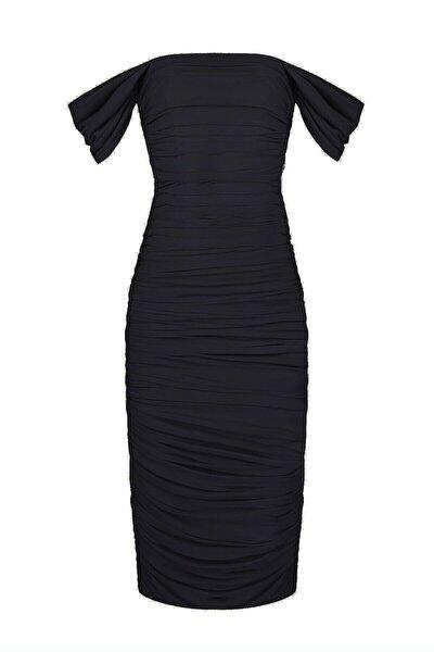Siyah Düşük Kol Degajeli Drapeli Midi Elbise