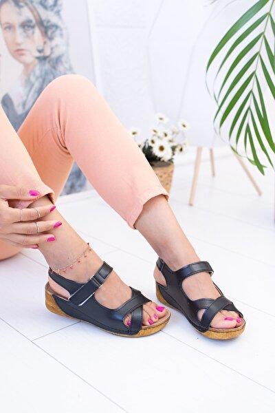 Siyah Çapraz Model Sandalet