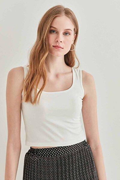 Kadın Ekru Sıfır Kol Kalın Askılı Crop Body Bluz