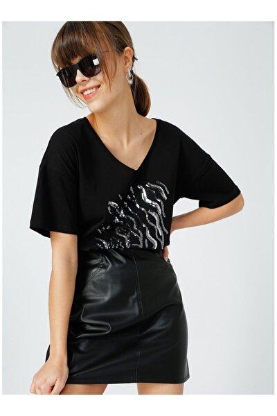 Kadın Siyah V Yaka Tişört