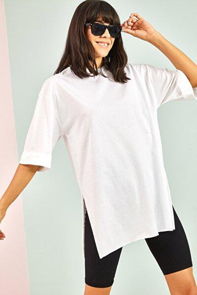 Kadın Beyaz Yan Yırtmaçlı Duble Kol Basic Oversize Tshirt