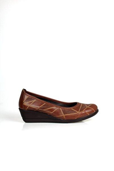Kadın Kahverengi Lazer Detaylı Ortopedik Ayakkabı