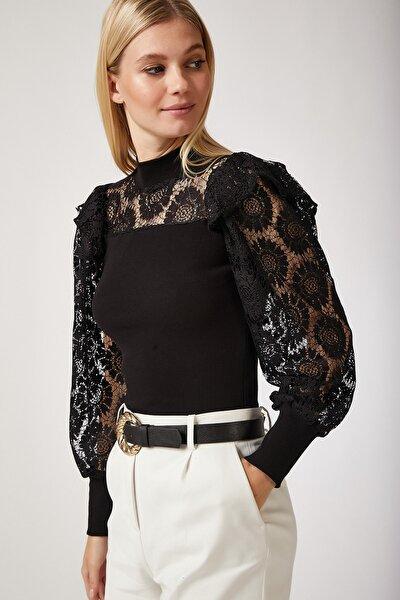 Kadın Siyah Fırfırlı Dantelli Örme Bluz ZV00009