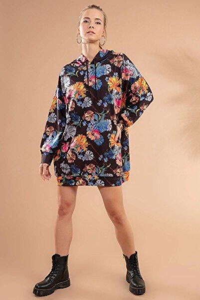 Kadın Siyah Ebruli Baskılı Kapşonlu Sweatshirt Elbise P20W-4125-1
